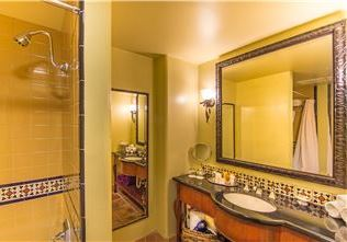 Hotel Los Gatos - A Greystone Hotel, California Bathroom