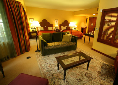 Hotel Los Gatos Grand Suite With Two Double Beds