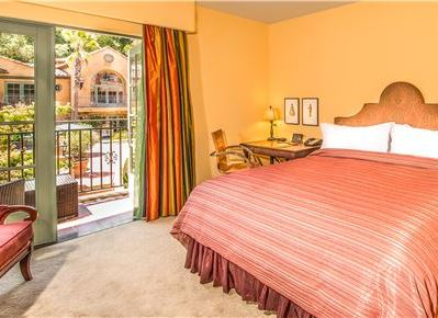 Deluxe King Guestroom at Hotel Los Gatos