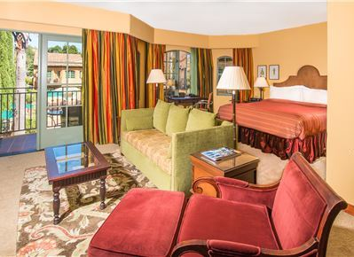 Hotel Los Gatos Grand King Suite